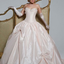 Isis-Hollywood-Dreams-128-ballgown