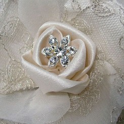 CHAMPAGNE-BRIDAL-HAIR-FLOWER-CB-07-close