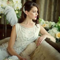 chloe-freshwater-pearl-crystal-wedding-comb
