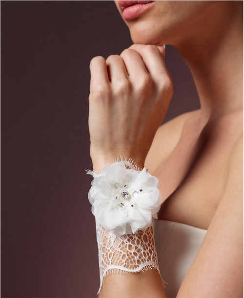 7566-lace-wrist-corsage