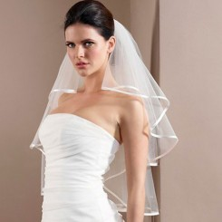 Satin Edge Wedding Veil poirier
