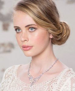anoushka-necklace-model